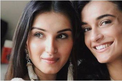 अभिनेत्री तारा सुतारिया की बहन पिया भी है बेहद ख़ूबसूरत; दोनों की फोटो देखकर हो जायेंगे पागल; देखें तस्वीरें