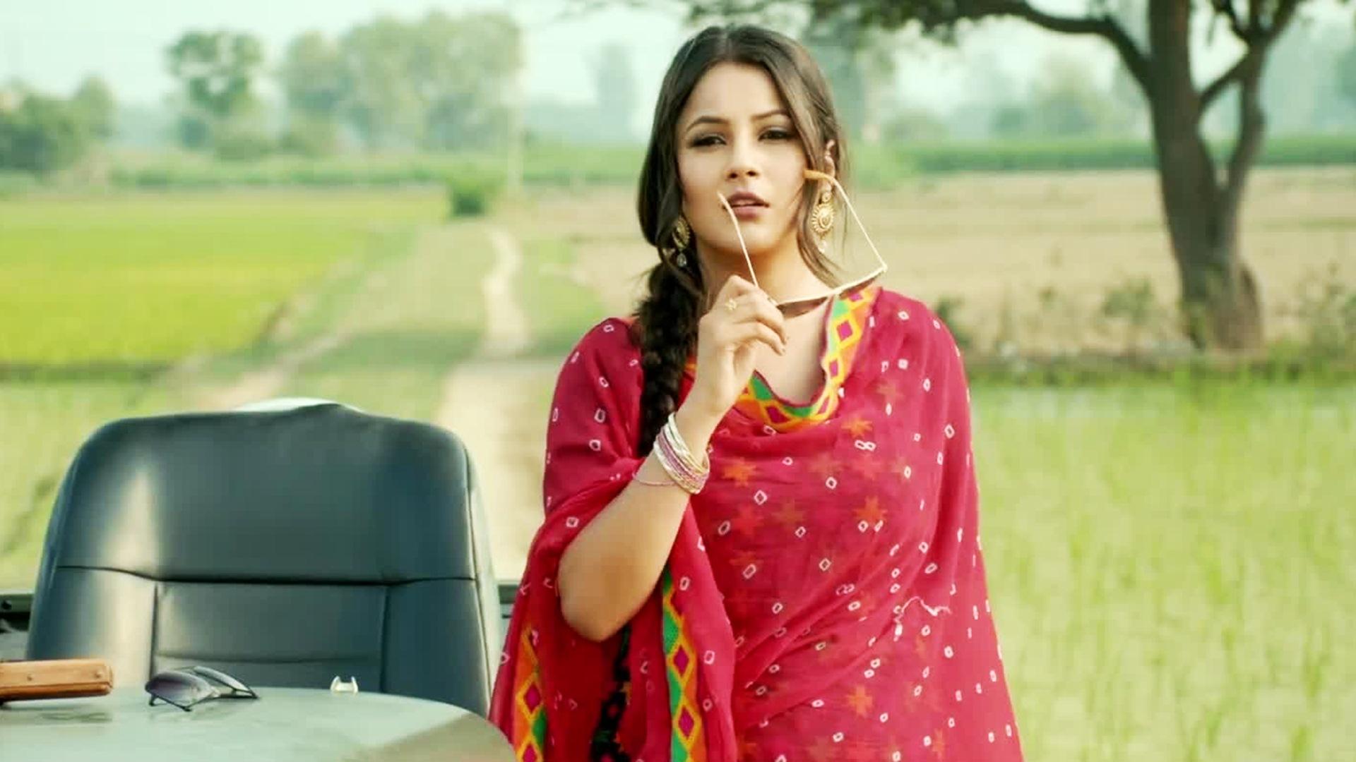Shehnaaz Gill Dance Video: शहनाज गिल ने दुल्हन बनकर मचाया धमाल, वीडियो हुआ वायरल