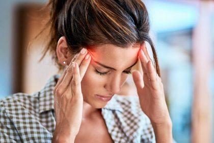 Home Remedies for Headaches: सरदर्द से परेशान रहते हो? ये 4 घरेलु उपाय चुटकियों में सरदर्द को दूर करेगा
