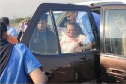 शबाना आजमी की तस्वीर (फोटो: ट्विटर)