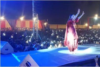 Sapna Choudhary Dance Song: सपना ने अपने डांस से फैन्स को बनाया दीवाना, निक्कर निक्कर गाने पर जमकर लगाया ठुमका