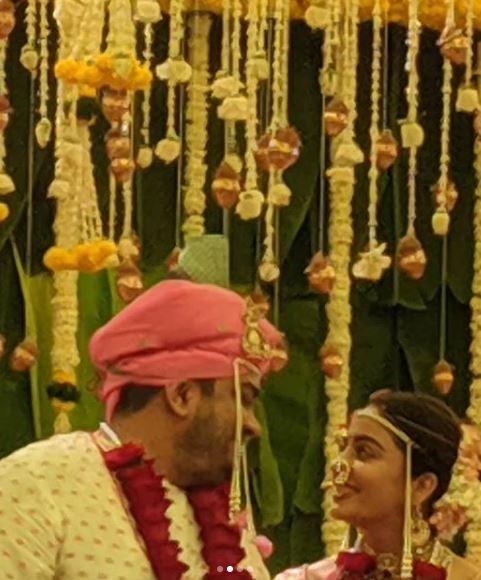 नेहा पेंडसे और शार्दुल सिंह की तस्वीर (फोटो: इंस्टाग्राम)