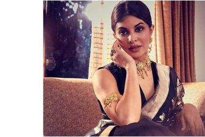 Jacqueline Fernandez in navy blue saree photos went viral on internet