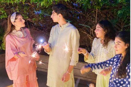 Kanika Kapoor: कनिका कपूर अपने तीनों बच्चों के साथ शेयर करतीं है बहुत अच्छा बॉन्ड, यहाँ देखें तस्वीरों के जरिए