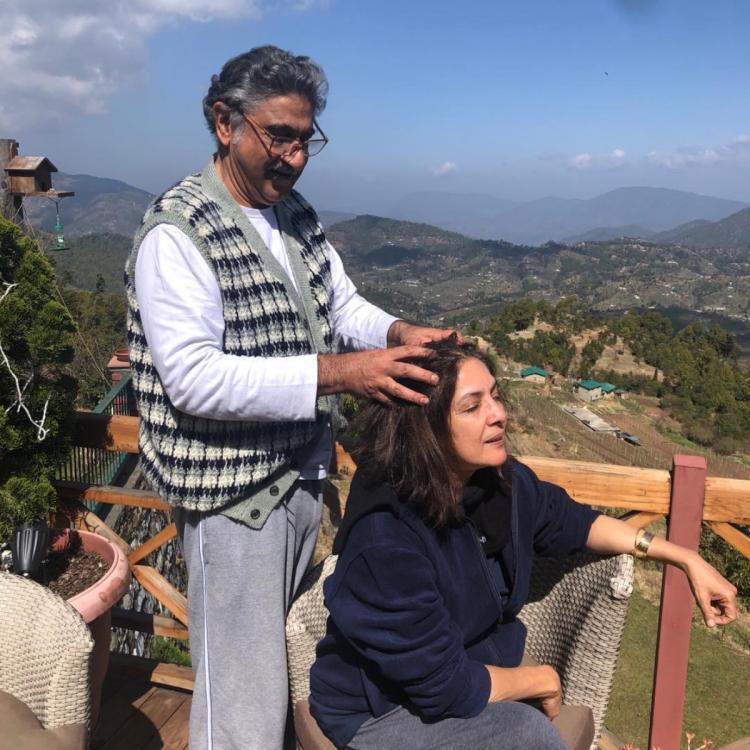 शुभ मंगल ज्यादा सावधान एक्ट्रेस नीना गुप्ता ने सेल्फ आइसोलेसशन के दौरान पति विवेक मेहरा से करवाया हेड मसाज