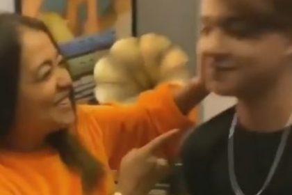 नेहा कक्कड़ ने जड़ा इस टिक टॉक स्टार को ज़ोरदार तमाचा और फिर डांस करने लगीं, देखिये वीडियो