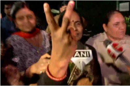 Nirbhaya Case: निर्भया की मां आशा देवी ने कहा- अब मेरी बेटी की आत्मा को शांति मिला...