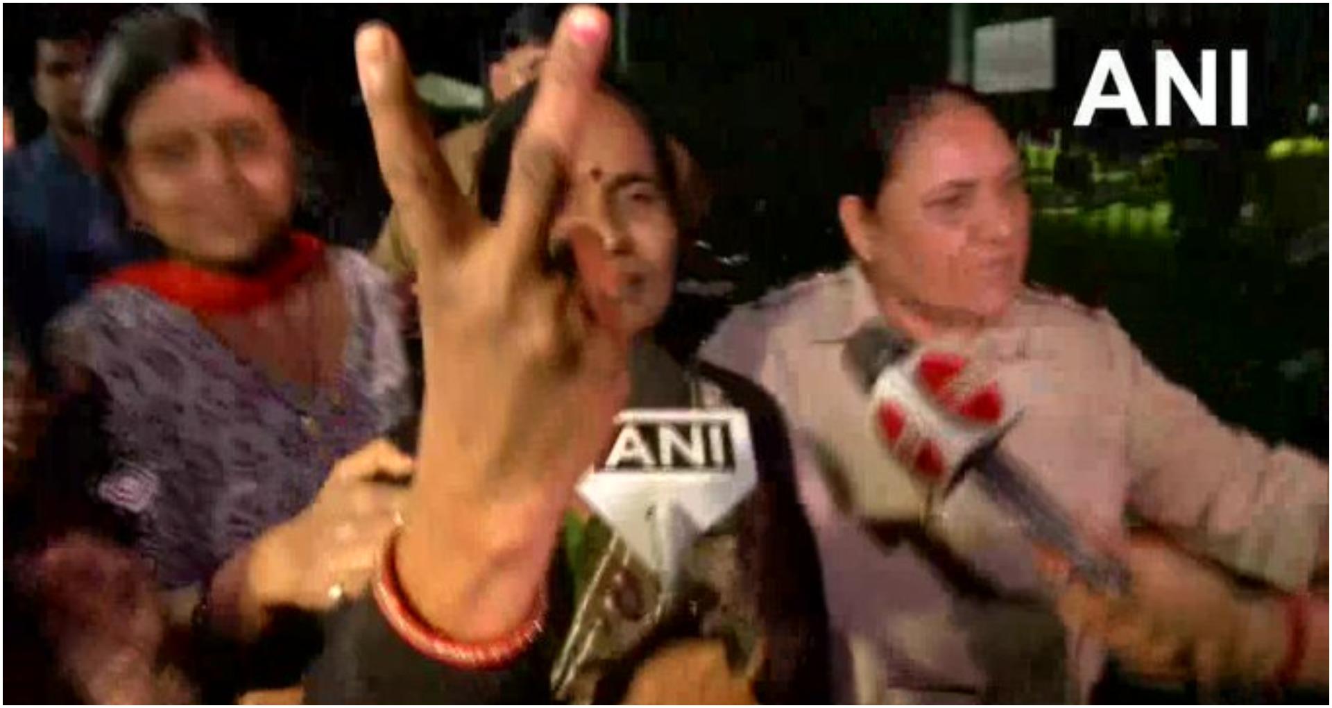Nirbhaya Case: निर्भया की मां आशा देवी ने कहा- अब मेरी बेटी की आत्मा को शांति मिला…