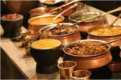 Food In India: Food In India: देश में यात्रा करते समय ये स्वादिष्ट डिश ज़रूर खानी चाहिए