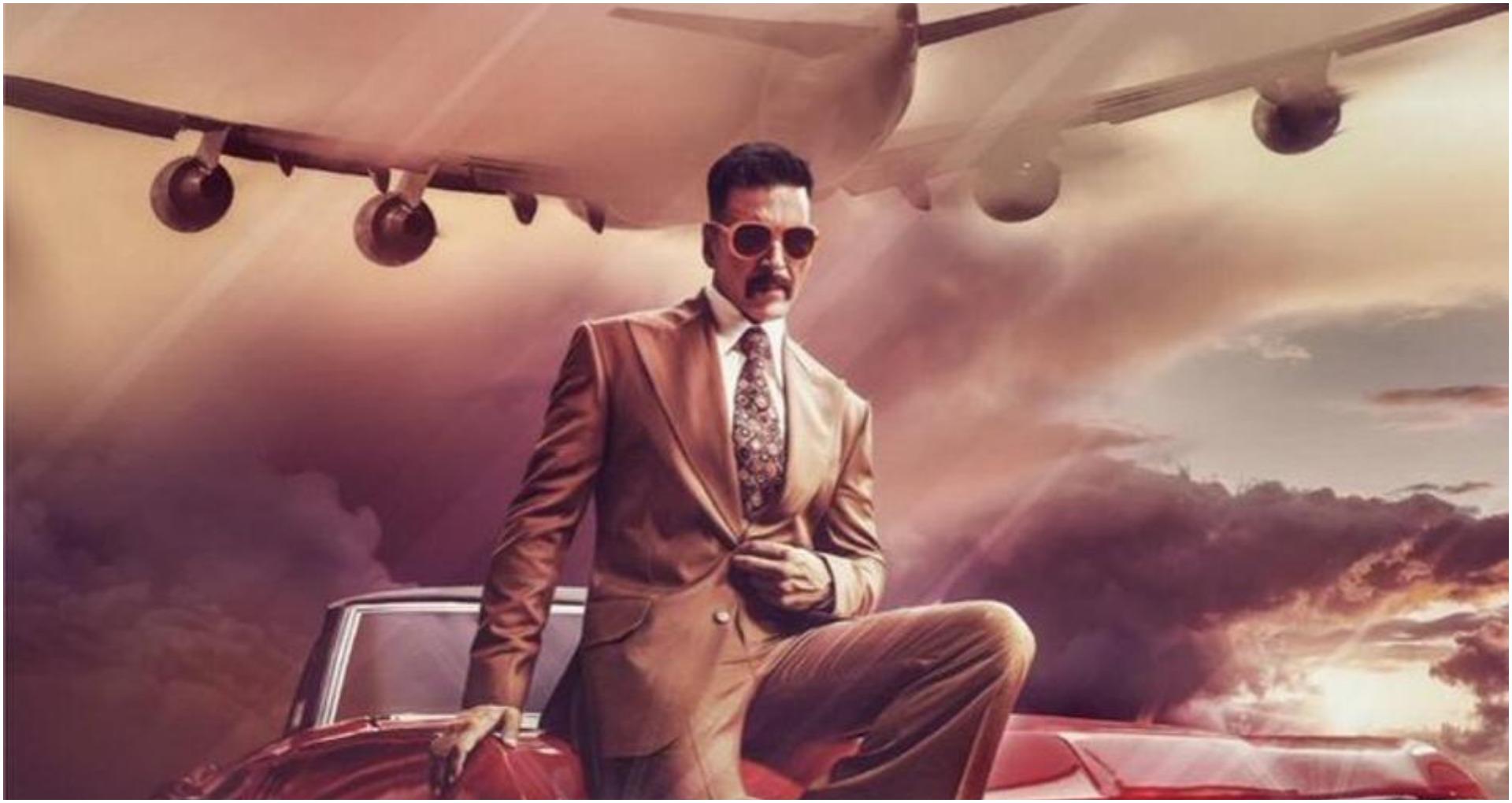 2019 अक्षय कुमार (Akshay Kumar) के लिए बहुत ही अच्छा रहा। इस साल में अक्षय ने मिशन मंगल (Mission Mangal), हाउसफुल 4 (Housefull 4), गुड न्यूज़ (Good Newwz) जैसी ब्लॉकबस्टर फिल्में दी हैं। वहीँ उनकी झोली में सूर्यवंशी (Sooryavanshi), लक्मी बॉम्ब (Laxmmi Bomb) और बच्चन पांडे (Bachchan Pandey) है। कुछ दिन पहले, अक्षय कुमार ने अपने सोशल मीडिया पर 'बेल बॉटम' (Bell Bottom) फिल्म की अनाउंसमेंट की थी, यह 80s दशक, एक इंडियन स्पाई पर बन रहीं सच्ची आधारित फिल्म है। रिपोर्ट के मुताबिक, बेल बॉटम में अक्षय कुमार (Akshay Kumar) के साथ वाणी कपूर लीड रोल में नजर आयेंगी। पहले भी मृणाल ठाकुर और कृति सनोन (Kriti Sanon) की बहन नूपुर सनोन (Nupur Sanon) का नाम सामने आ चूका है। इस फिल्म के लिए मेकर को नए जोड़ी की तलाश है इसलिए कई अभिनेत्रियों के नाम सामने आये थे। मिली रिपोर्ट के मुताबिक, वाणी कपूर अक्षय कुमार की पत्नी का किरदार निभायेंगी। अक्षय कुमार सीक्रेट एजेंट का किरदार निभा रहे ऐन इसलिए इस फिल्म की शूटिंग अलग अलग देशों में होने की संभावना है। इस फिल्म की शूटिंग सितम्बर से शुरू होगी।