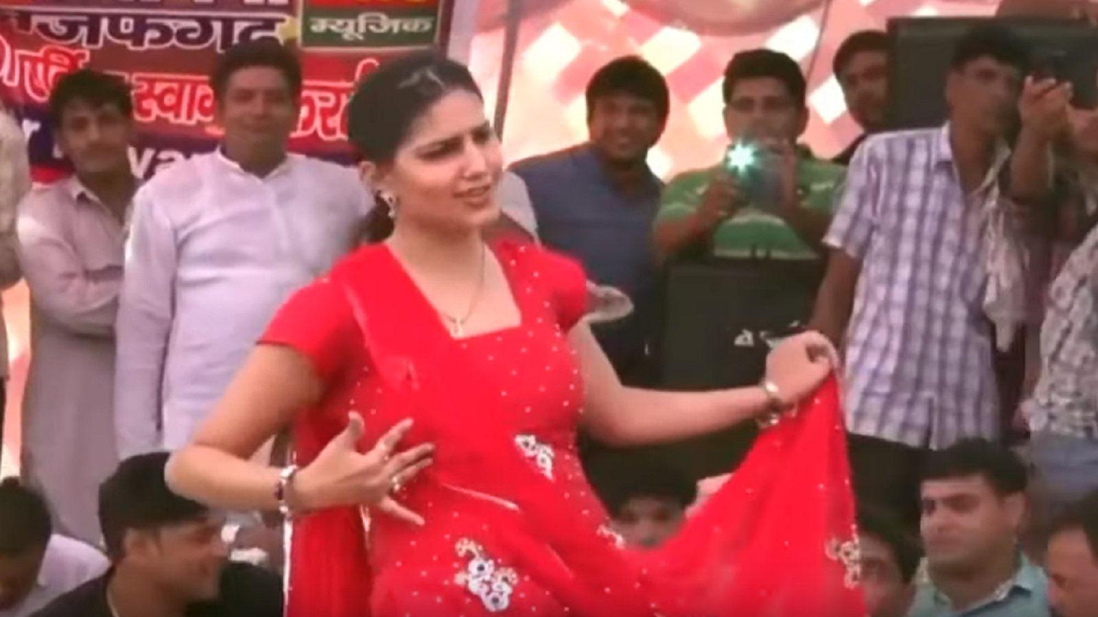 Sapna Choudhary Song: कोरोना के कहर के बीच सपना चौधरी ने अपने डांस से मचाया धमाल, देखें वीडियो