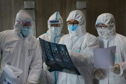 डॉक्टरों पर अब हिंसा करना पड़ सकता है भारी, सरकार ने उठाया बड़ा कदम 123 साल पुराने महामारी कानून में बड़ा बदलाव