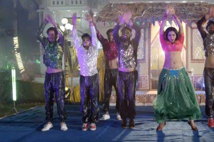 Bhojpuri Hot Songs: खेसारी लाल यादव ने काजल राघवानी को जबरजस्त अंदाज में बोला 'पागल बनाइबे का रे पतरकी'