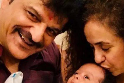 शाहिद कपूर के सौतेले पिता और ईशान खट्टर के पिता राजेश खट्टर ने बेटे वनराज की पहली तस्वीर शेयर किए