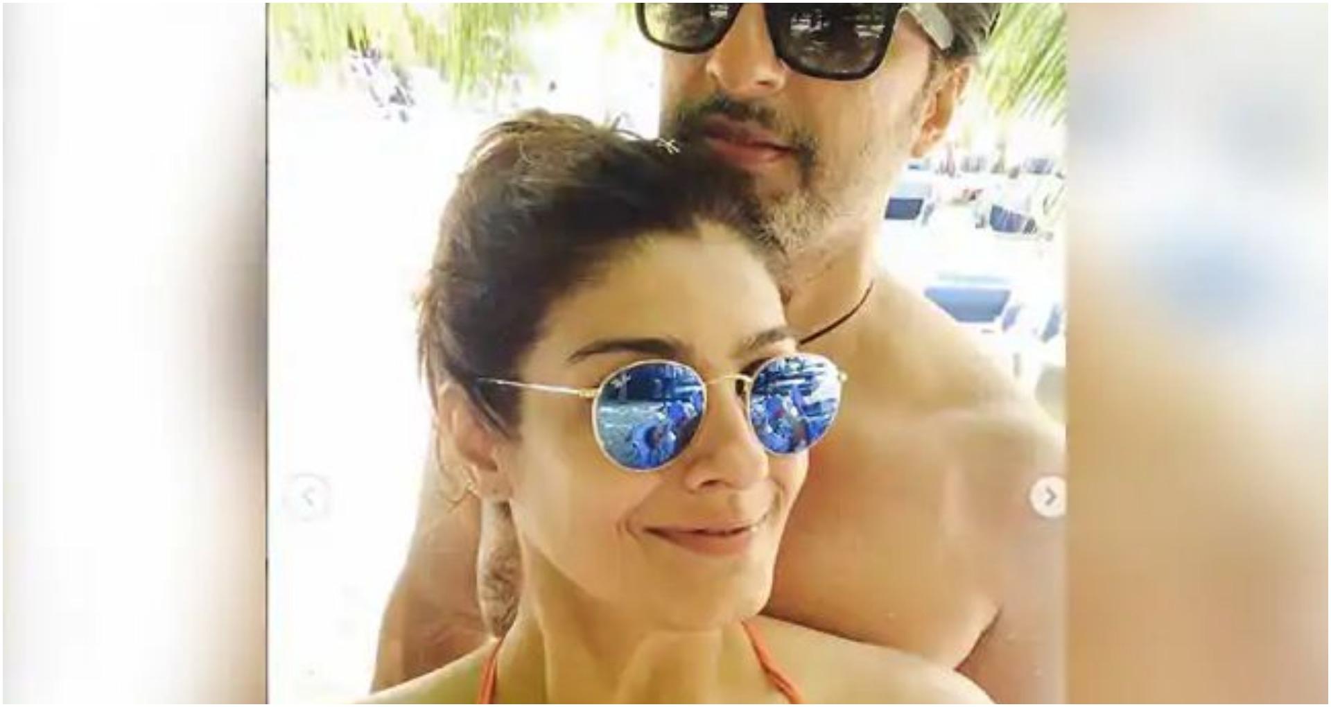 रवीना टंडन ने पति संग शेयर की Beach Photos, सोशल मीडिया पर हो गई वायरल