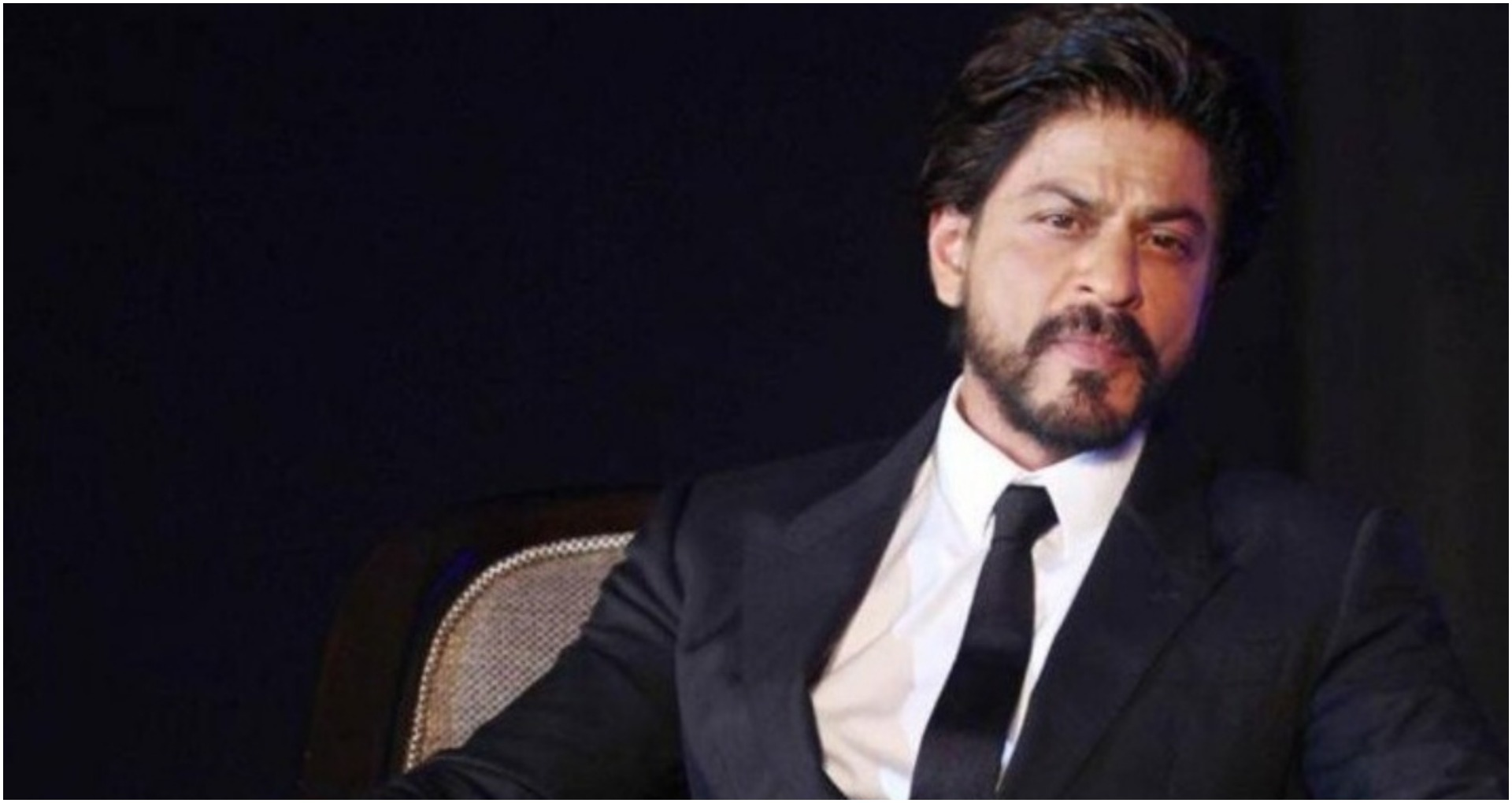 शाहरुख खान की थ्रोबैक तस्वीर हो रही है वायरल, शाहरुख़ मूंछों और लंबे बालों में आए नजर
