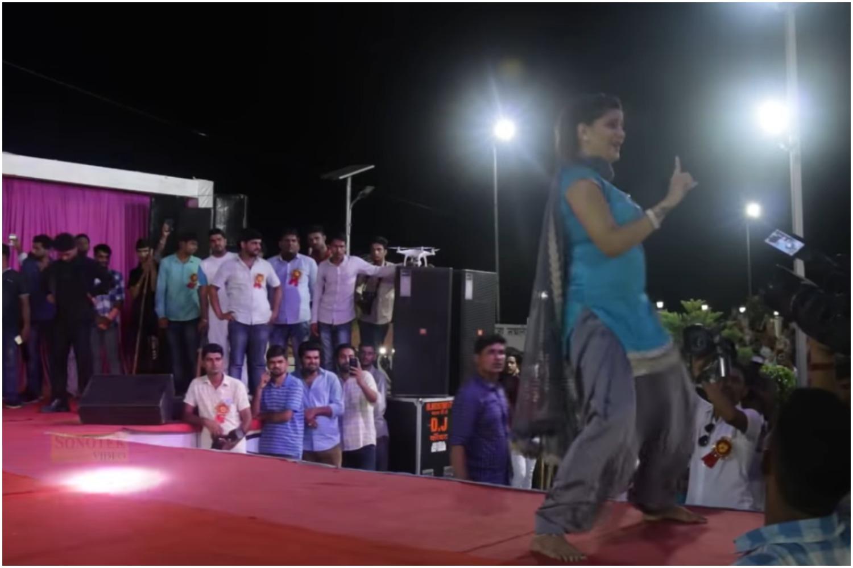 Sapna choudhary video song: सपना चौधरी हरयाणवी गाना 'तू चीज लाजवाब' पर जबरजस्त ठुमके लगाते नजर आयीं