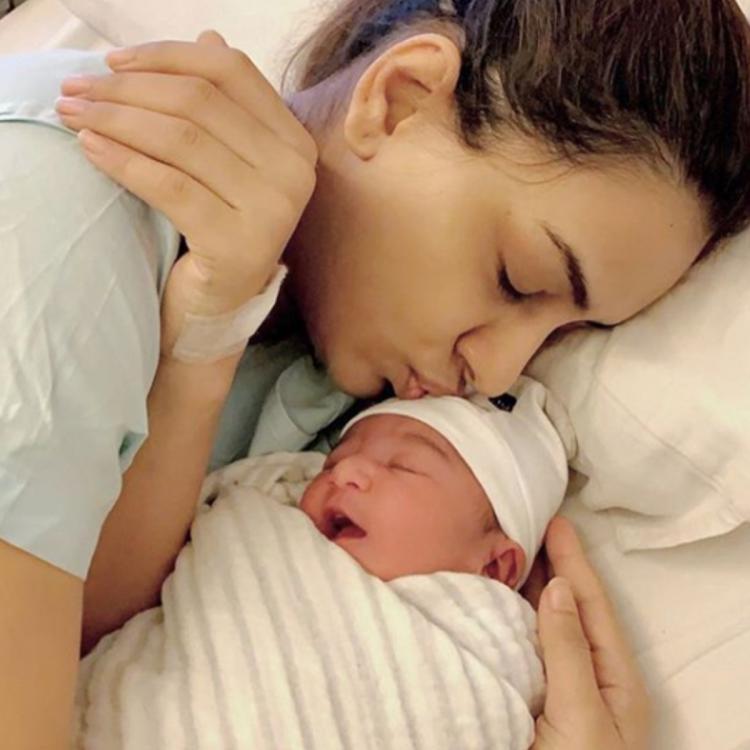 एक्ट्रेस स्मृति खन्ना ने शेयर की अपनी बेटी की तस्वीर, लिखा- इमोशनल नोट