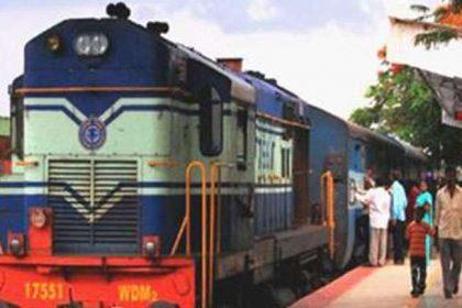 कोरोना वायरस के बढ़ते मामले को देखते हुए सामन्य रेल सेवा 12 अगस्त तक बंद, पढ़ें पूरी रिपोर्ट