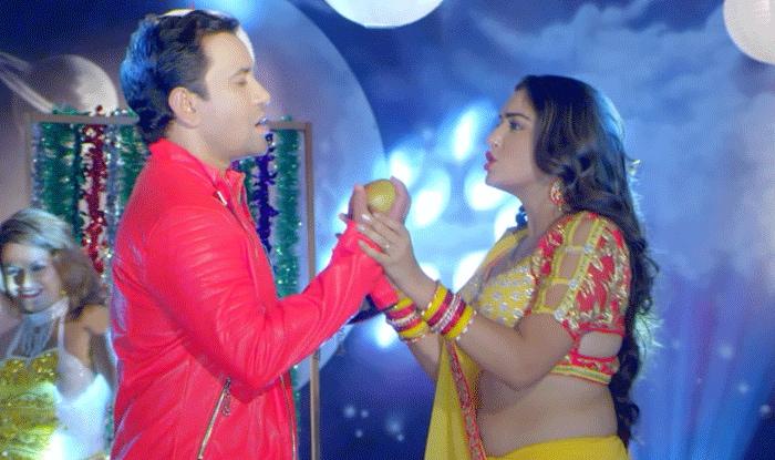 Bhojpuri Songs: आम्रपाली दुबे और दिनेश लाल यादव का गाना हो रहा है वायरल, देखे वीडियो