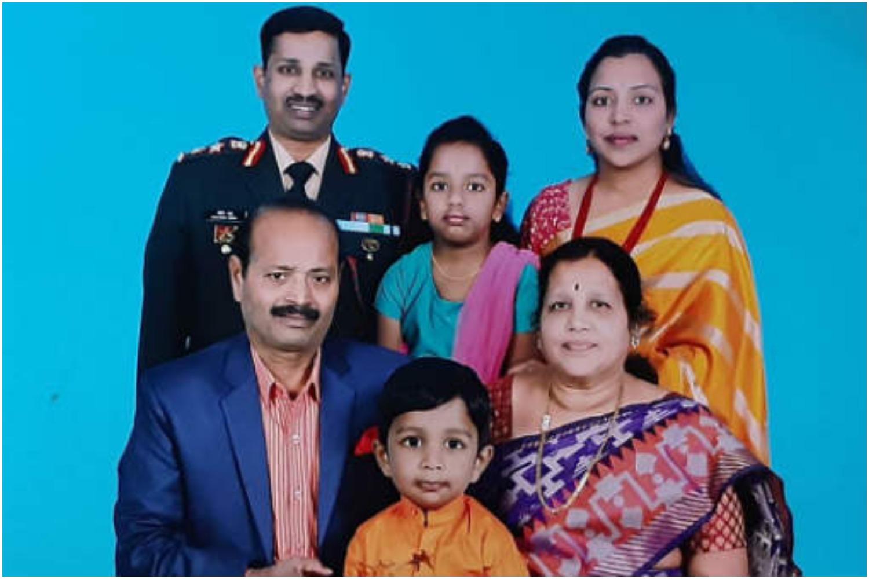 शहीद कर्नल संतोष बाबू की पत्नी को तेलंगाना सरकार ने डिप्टी कलक्टर नियुक्त किया, परिवार को देंगे 5 करोड़ का चेक