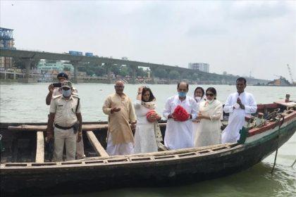 Final GoodBye! सुशांत सिंह राजपूत की अस्थियां गंगा नदी में की गई विसर्जित, तस्वीरें आई सामने