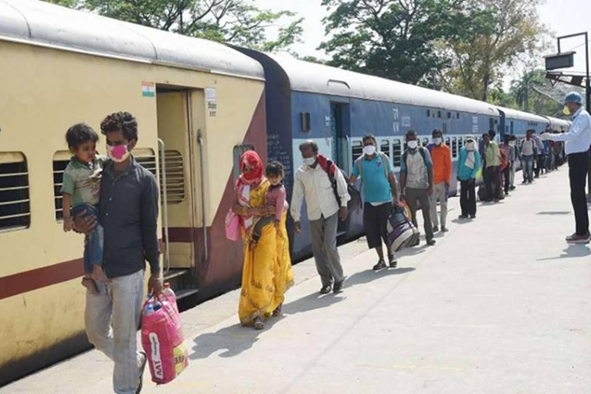 Shramik Special Trains: इंडियन रेलवे श्रमिक स्पेशल ट्रैन कर सकता है बंद, जानिए वजह