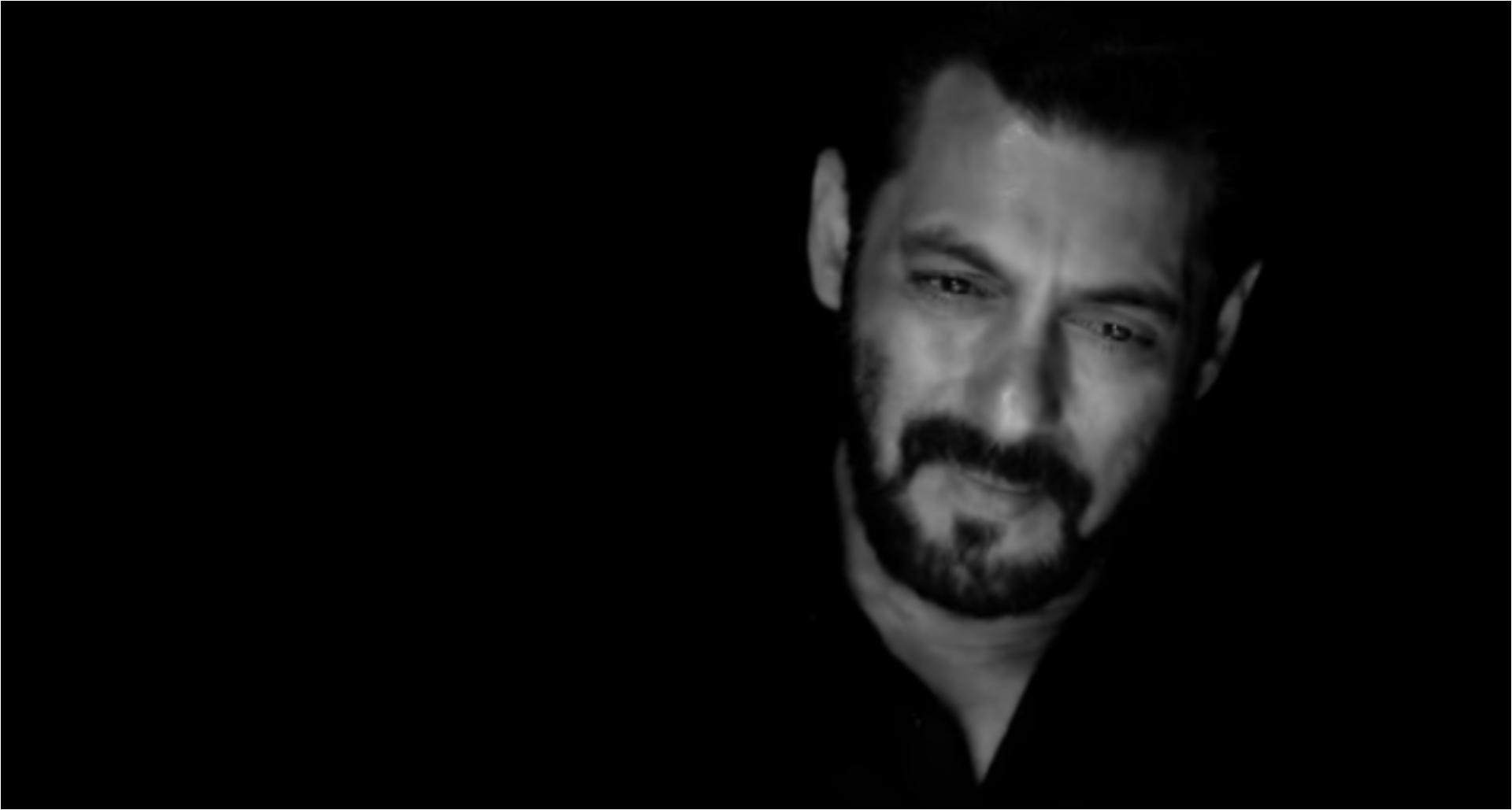 सलमान खान ने अपने फैन्स को दी अलग अंदाज़ में स्वतंत्रता दिवस की शुभकामनाएं, देखिये वीडियो!