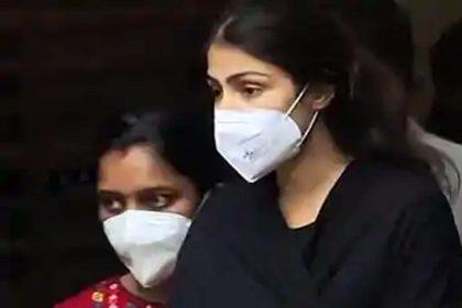 रिया चक्रवर्ती का बड़ा दावा, कहा- 'टॉप फिल्ममेकर' की वजह से सुशांत को लगी थी ड्रग्स की लत
