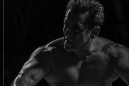 सलमान खान ने अपने यूट्यूब चैनल पर फिटनेस वीडियो 'बीइंग स्ट्रांग' किया रिलीज़!