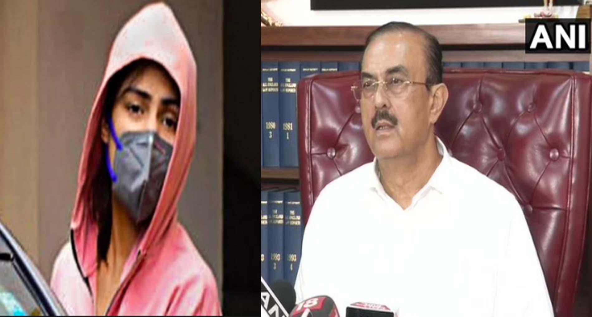 FIR दर्ज कराने पर विकास सिंह का आरोप, कहा-'शुरुआत से ही रिया को बचा रही है मुंबई पुलिस'