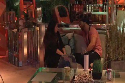 Bigg Boss 14: सोनाली फोगाट ने किया अली गोनी से प्यार का इजहार! राखी सावंत ने डाले अभिनव पर डोरे