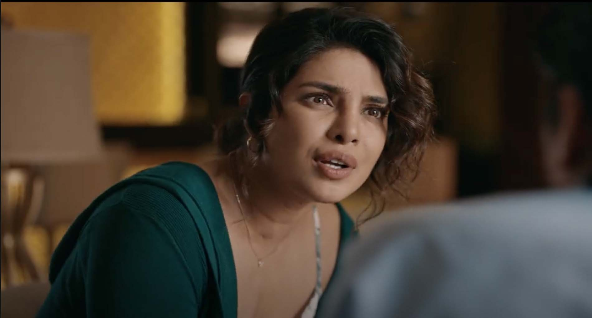 """प्रियंका चोपड़ा ने किया अपनी किताब में चौंकाने वाला खुलासा! """"जब डायरेक्टर ने अंडरगार्मेंट्स…"""""""