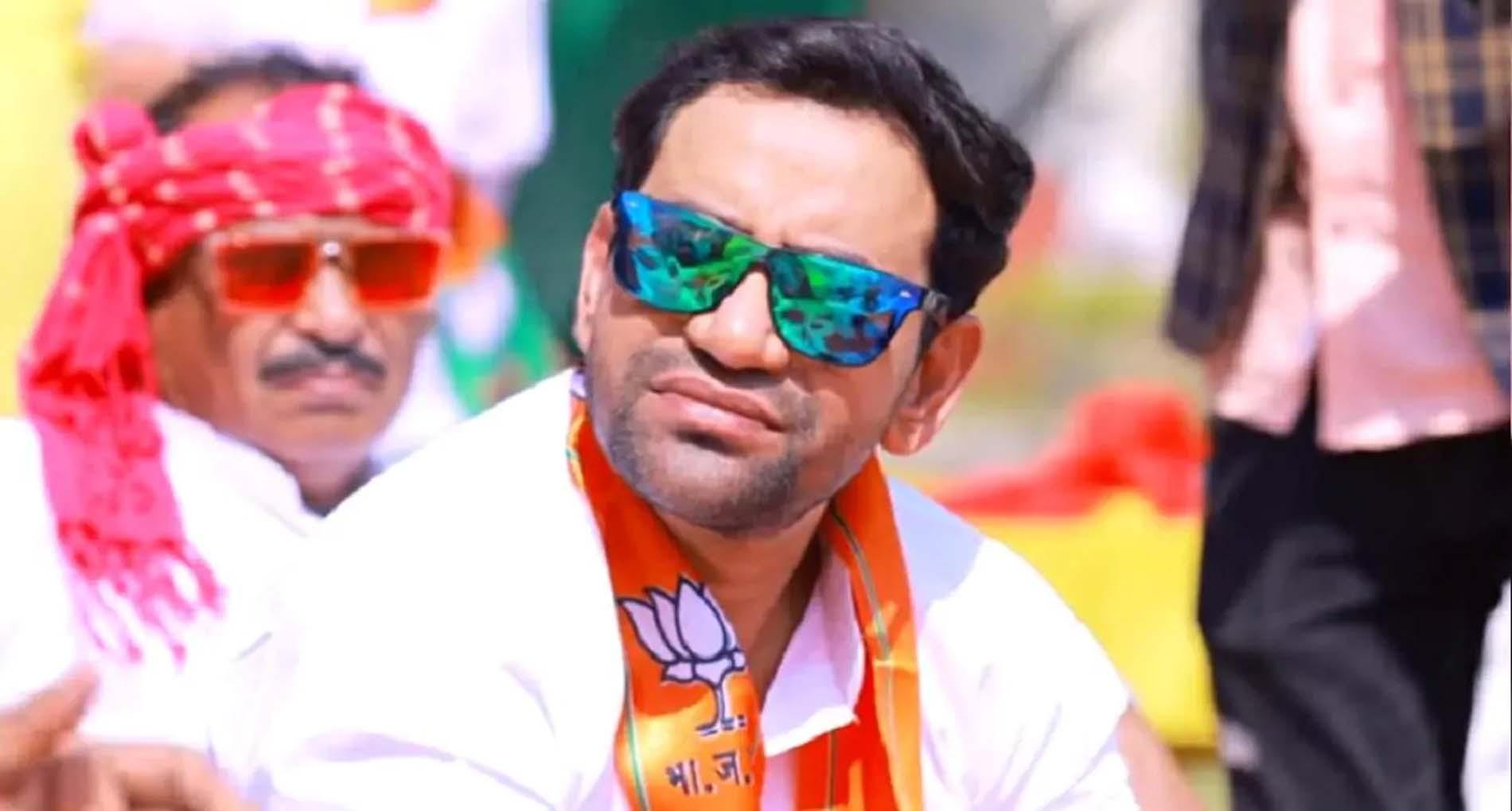 Nirahua Bhojpuri Holi Song: होली के मौके पर निरहुआ का राजनीतिक गाना हुआ वायरल! देखें वीडियो