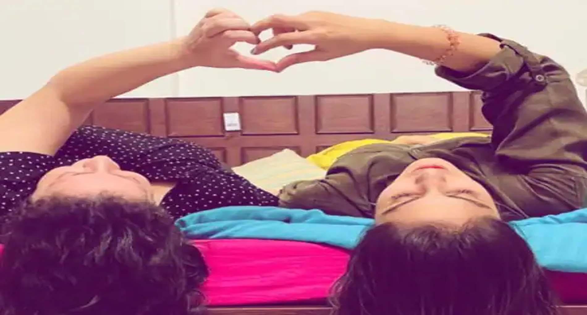 रिया चक्रवर्ती ने बताया अपने प्यार को सच्चा! पोस्ट शेयर कर बयां किया हाल-ए-दिल