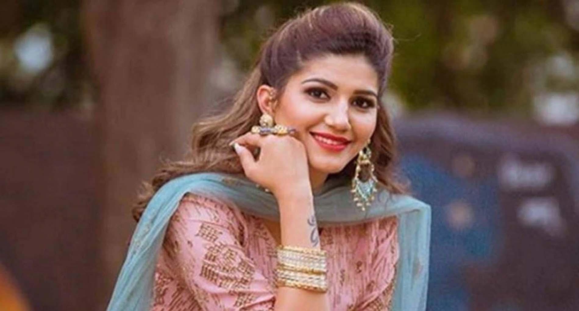 Sapna Choudhary Dance Video: सपना चौधरी का 'जबर भरोटा' डांस यूट्यूब पर उड़ा रहा है गर्दा!