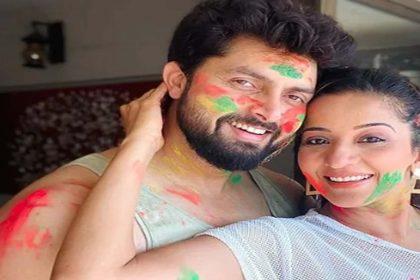 Monalisa Holi Photos: मोनालिसा ने दिलकश अंदाज में मनाई होली! देखें तस्वीरें