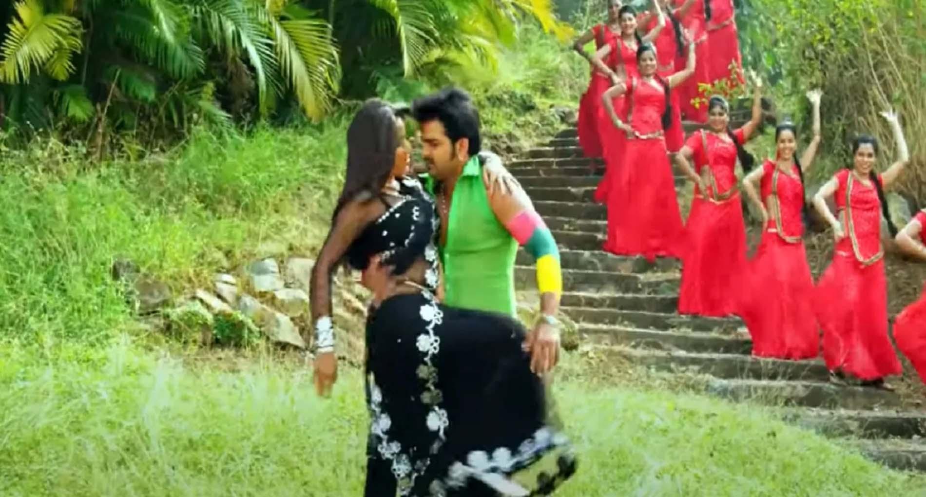 Monalisa Bold Video Song: जब साड़ी में पवन सिंह रोमांस करती नजर आईं मोनालिसा! देखें वीडियो