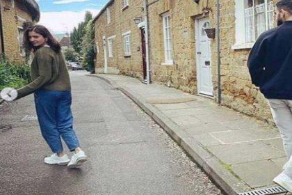 इंग्लैंड की खूबसूरत गलियों में विराट के लिए अनुष्का शर्मा ने किया ये काम! 'बीच रास्ते में रुककर…'