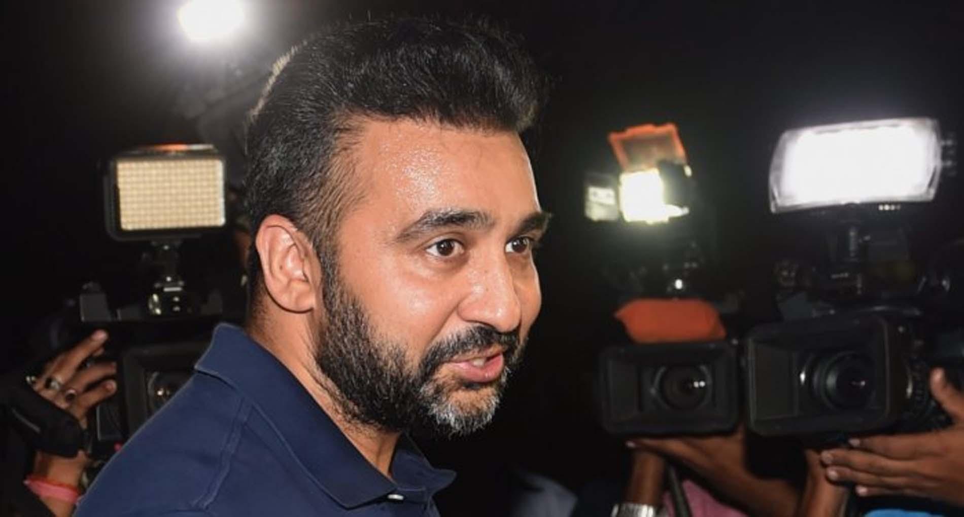Raj Kundra Case: मॉडल ने दर्ज कराया राज कुंद्रा की कंपनी पर केस! गहना वशिष्ठ समेत 4 प्रोड्यूसर्स के खिलाफ FIR